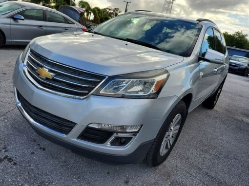 #18 2016 Chevrolet Traverse LT